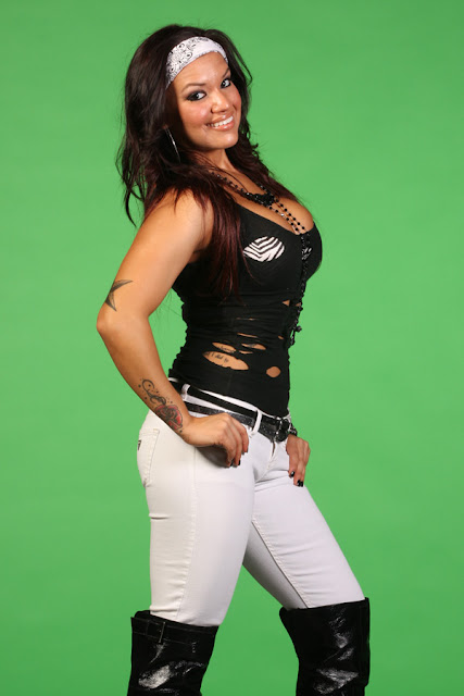 Shaul Guerrero Starts Working for FCW