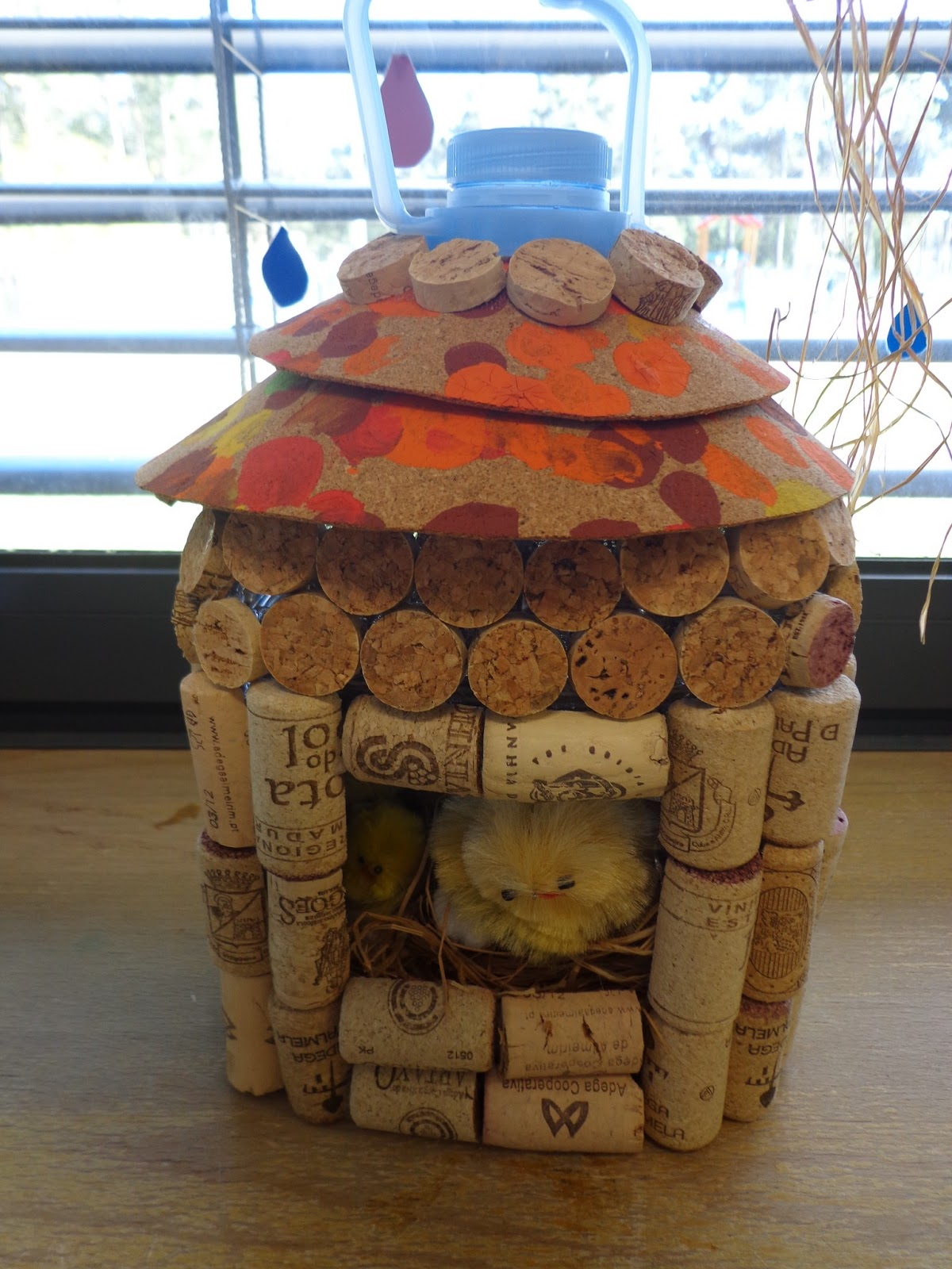 Reuse crafts plastic bottle birdhouse using wine corks for How to build a birdhouse out of wine corks