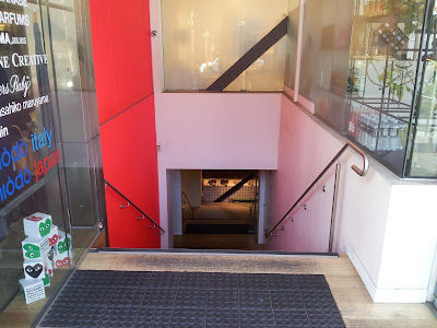 Entrance to Izakaya Den, Russell Street, Melbourne
