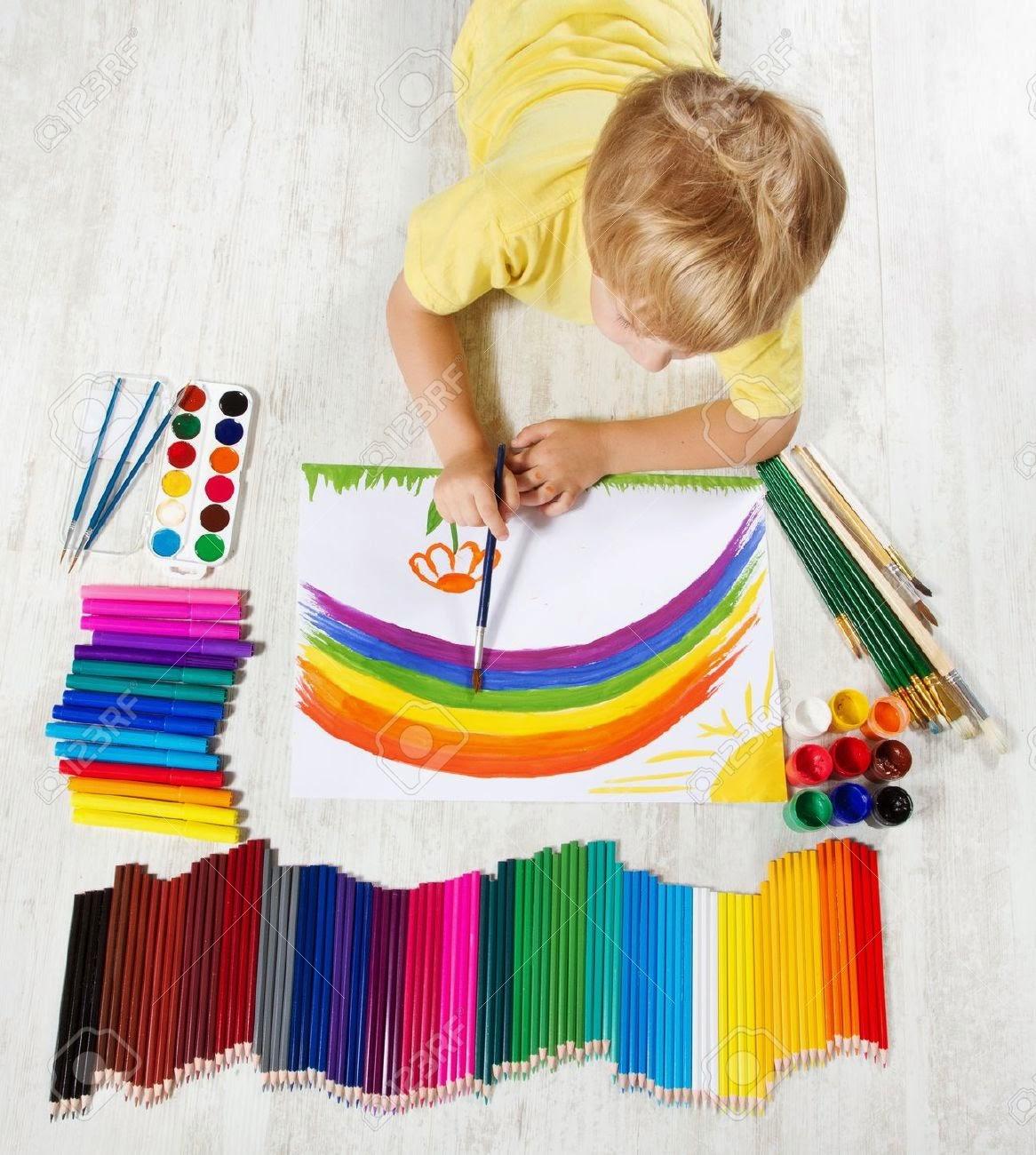 Psicolog a y felicidad con may sculas 10 formas de - Ninos pintando con las manos ...