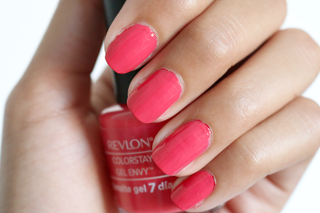 Revlon Colorstay Gel Envy in Rojo Coral 030 Swatch