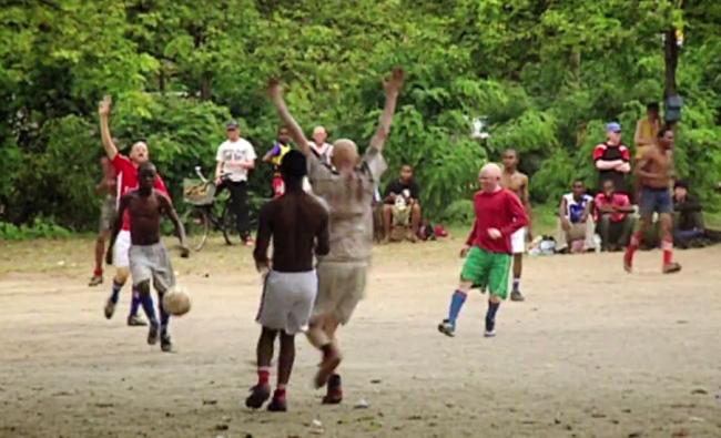 Trening zespołu Albino United - źródło: Youtube