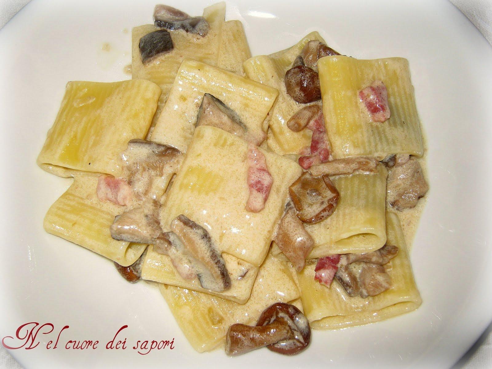 Ricetta pasta con funghi zucchine e panna