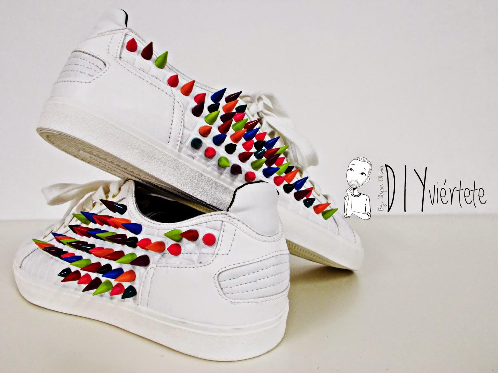 DIY-zapatillas-tunear-customizar-CHRISTIAN-LOUBOUTIN-zapatos-pinchos-esmaltes-pinta uñas-colores-1