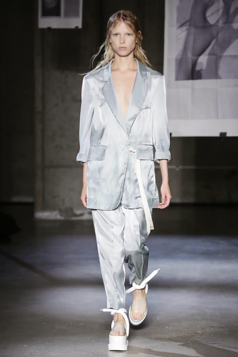 MM6 Maison Martin Margiela spring summer 2015, MM6 Maison Martin Margiela ss15, MM6 Maison Martin Margiela, Maison Martin Margiela, MM6 Maison Martin Margiela, Martin Margiela, Martin Margiela nyfw, ss15 nyfw, derek lam nyfw, nyfw, nyfwss15, nyfw2014, du dessin aux podiums, dudessinauxpodiums, vintage look, dress to impress, dress for less, boho, unique vintage, alloy clothing, venus clothing, la moda, spring trends, tendance, tendance de mode, blog de mode, fashion blog,  blog mode, mode paris, paris mode, fashion news, designer, fashion designer, moda in pelle, ross dress for less, fashion magazines, fashion blogs, mode a toi, revista de moda, vintage, vintage definition, vintage retro, top fashion, suits online, blog de moda, blog moda, ropa, asos dresses, blogs de moda, dresses, tunique femme,  vetements femmes, fashion tops, womens fashions, vetement tendance, fashion dresses, ladies clothes, robes de soiree, robe bustier, robe sexy, sexy dress