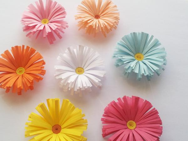 Innova manualidades flores de papel margaritas f cil y - Como se hacen flores de papel ...