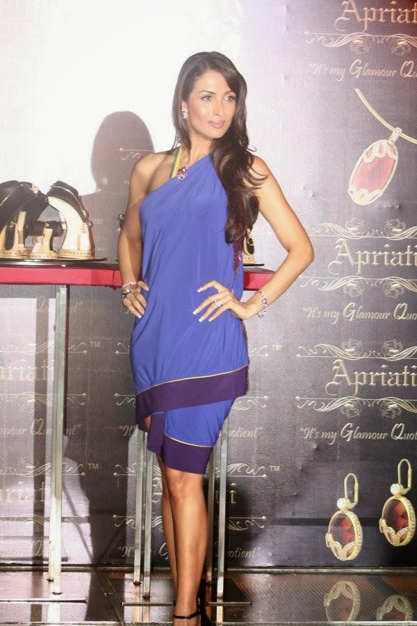 Malaika Arora Khan in Blue Skirt looks Very Hot sexy cross-leged pics