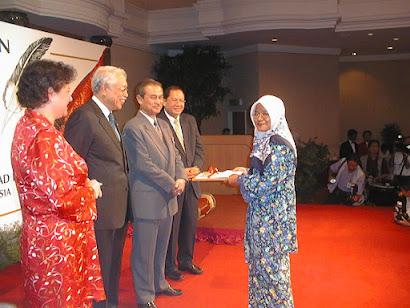 Hadiah Sastera Kumpulan Utusan 2000 (Hadiah Utama Kategori Puisi)