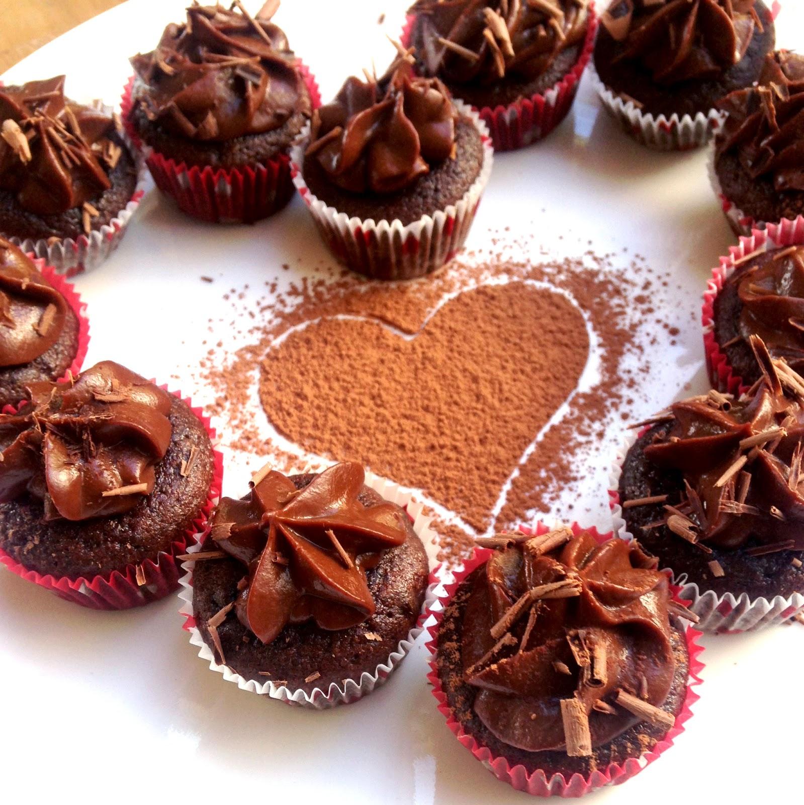... Healthy: Chocolatey Paleo Cupcakes w/ Chocolate Sweet Potato Frosting