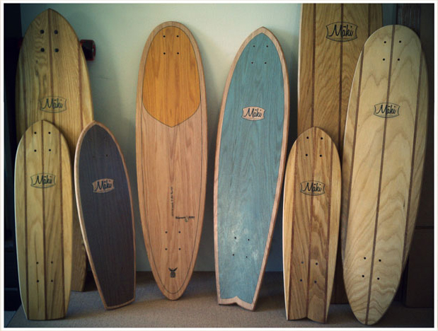 A well traveled woman for Planche de surf decorative