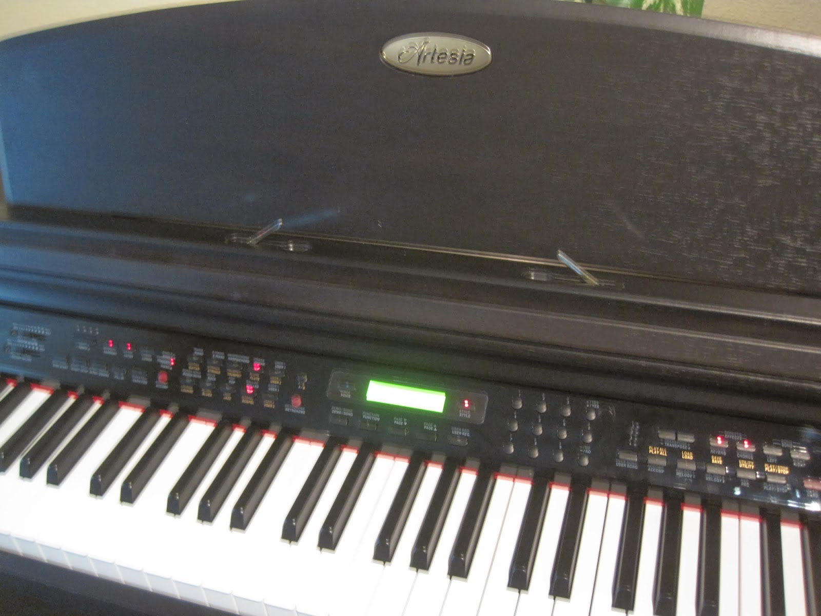 Artesia AP8 & Artesia AG41 digital pianos