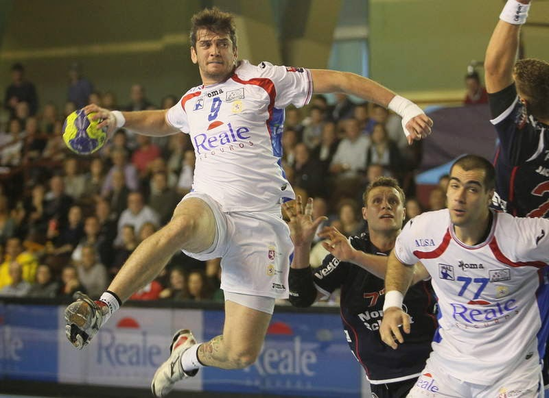 El brasileño Raúl Nantes retornaría a ASOBAL | Mundo Handball