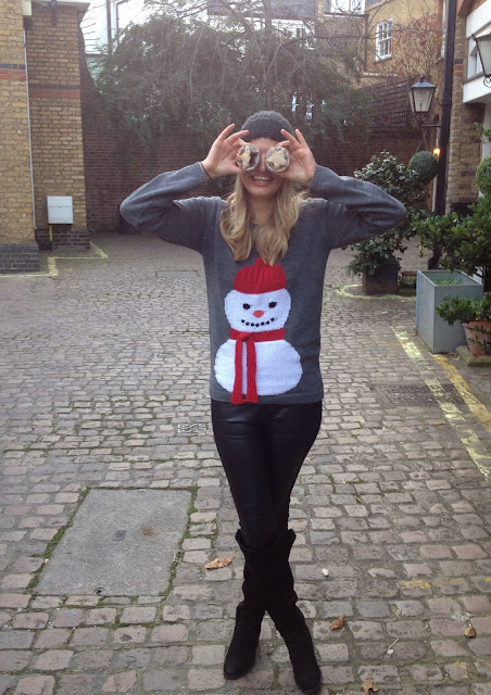 Mince pie, fashion blogger, xmas jumper, christmas jumper, next xmas jumper