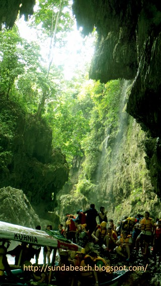 green canyon pangandaran body rafting