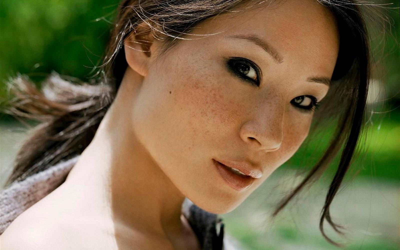 http://2.bp.blogspot.com/-e-EVA4Cv380/UAY9fCa82ZI/AAAAAAAAAUI/KX0MIHzvoW4/s1600/Lucy-Liu-Wallpaper-2.jpg