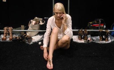 Kisah Foto Model Seksi Di Kamar Ganti