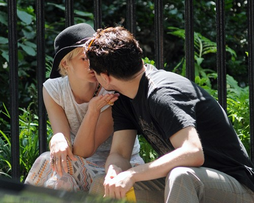 "Coupled Up: Ashlee Simpson And ""Boardwalk Empire"" Beau Vincent Piazza"