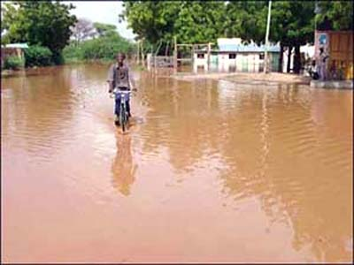 DAILY POST: FLOODs in Kenya: Heavy rains claim the life of five year