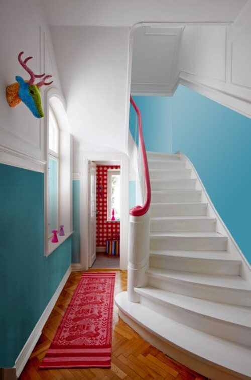 light house with bright furniture and accents 2 ไอเดียการตกแต่งบ้านหวานๆจากเดนมาร์ก