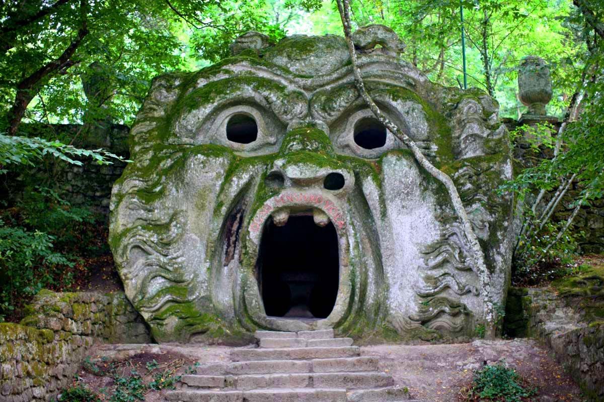 парк чудовищ в италии