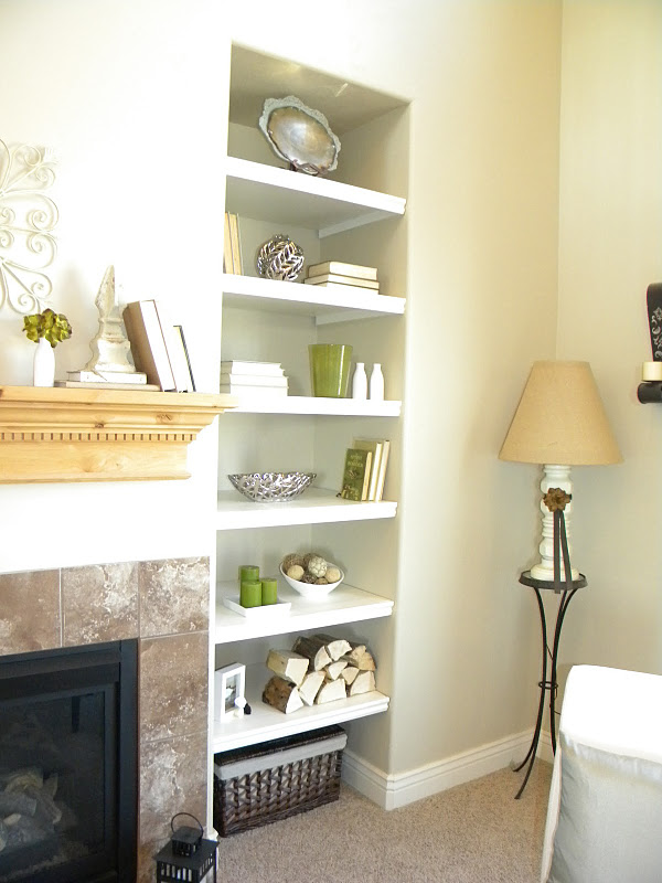 Thrifty and chic diy projects and home decor for Corner shelving ideas living room