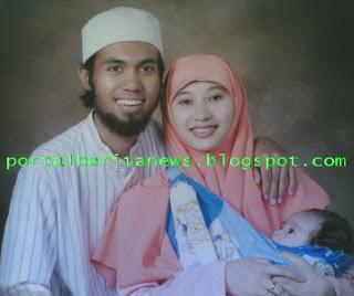 Foto Salman Al-Jugjawy / Sakti Ari Seno Bersama Istri dan Anakny