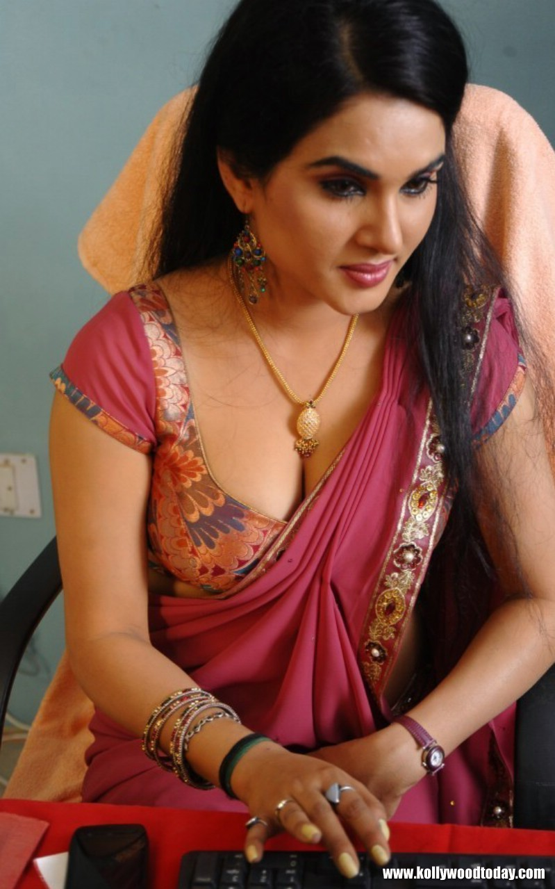 indian hot actress actress kavya singh hot sexy cleavage  ha