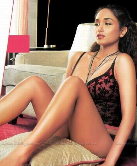Nude jiah khan pictures