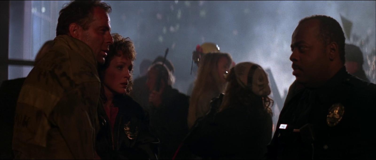 Die Hard 1988 Bruce Willis John McClane film ending Al Powell meeting scene screenshot