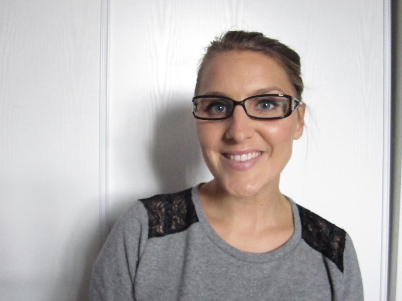 mylene le blog quel maquillage faire lorsque l 39 on porte des lunettes. Black Bedroom Furniture Sets. Home Design Ideas