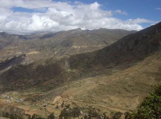 ... huancavelica perú plaza del pueblo de moya huancavelica perú