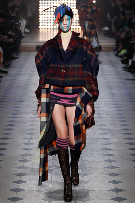 5 works looks of paris fashion week, vivienne westwood