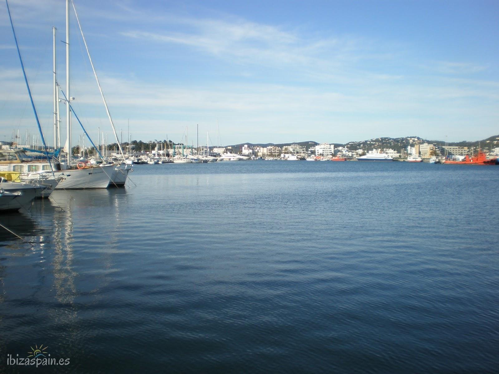 El puerto de ibiza la marina gu a y blog de ibiza - Restaurantes en el puerto de ibiza ...