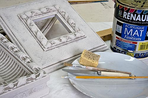 Details in the Decor: DIY Shabby Chic White Frame For Wall Display ...