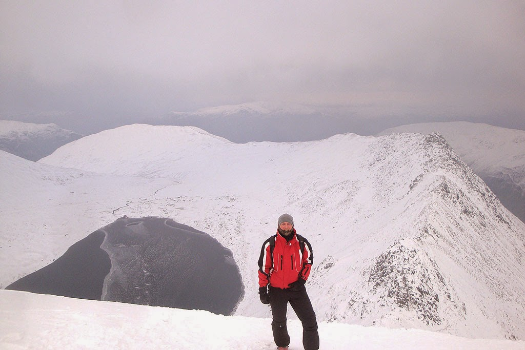 striding edge, snow, helvellyn, hellvelyn, route