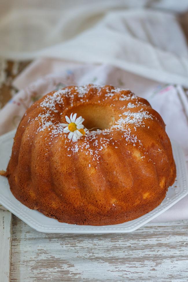 bundt cake de coco. http://www.maraengredos.com/