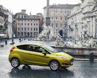 """Auch den Fiesta für die zweite Hälfte des Modell-Lebenszyklusses gibt es als Drei- und Fünftürer, außerdem in den fünf Ausstattungsvarianten """"Ambiente"""", """"Trend"""", """"Sport"""", """"Titanium"""" und """"Individual"""". Foto: Auto-Medienportal.Net/Ford"""