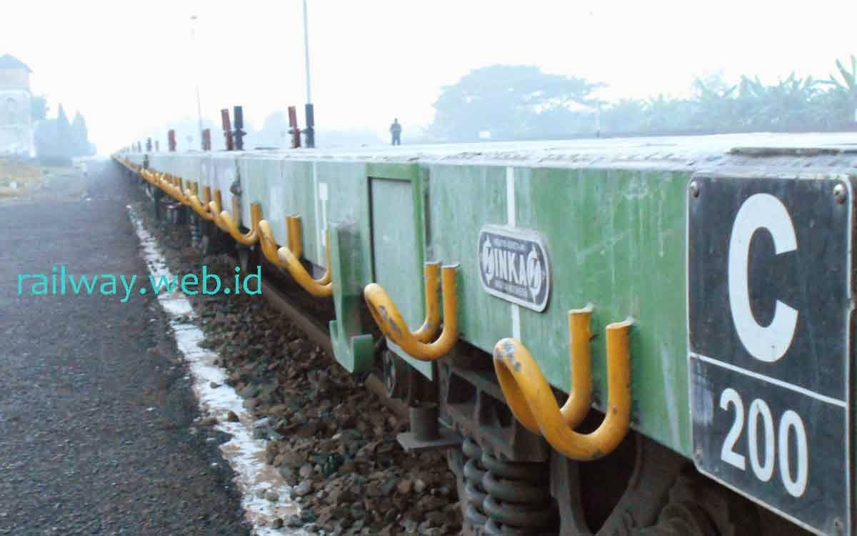 KA Angkutan Semen Nambo Banyuwangi