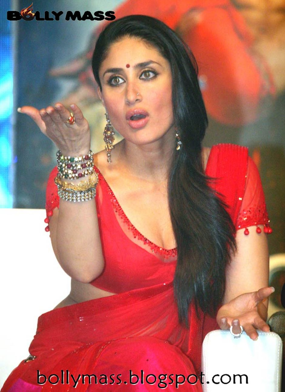 kareena looks lovely and hot in red saree at ra one music launch