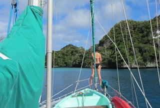 Ausfahrt aus der Bay of Islands - mit Ausguck