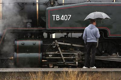 train vapeur double traction pluie circulation vintage locomotive 141 TB 407 AJECTA Seine-et-Marne
