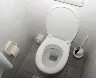 Toilet Umum Bersih