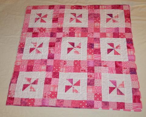 Michelle's Romantic Tangle: Priscilla {a baby quilt tutorial} : baby pinwheel quilt - Adamdwight.com