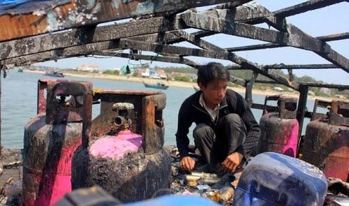 Chinese ship attacks Vietnamese fishing boat