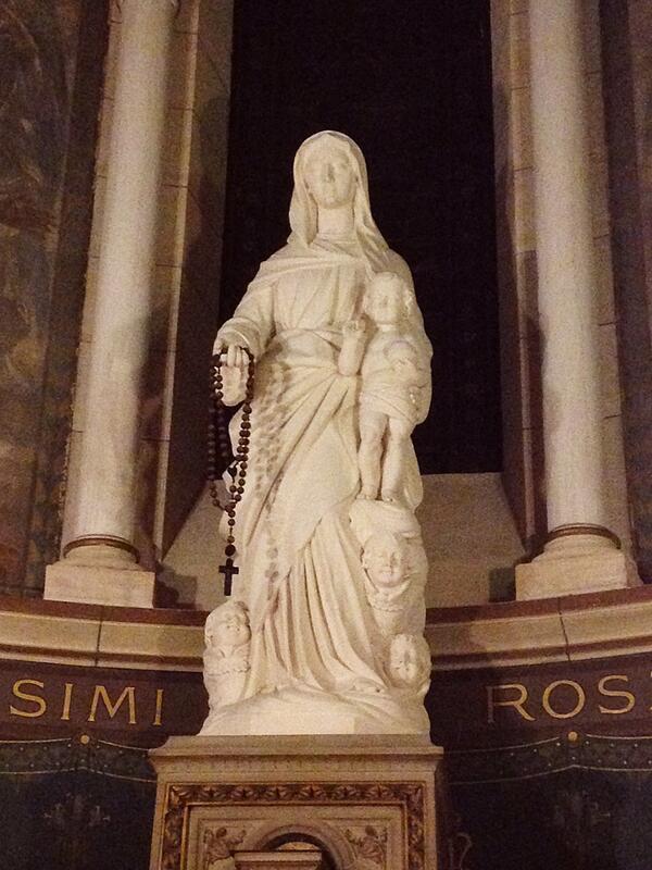 Reine du très Sainte Rosaire