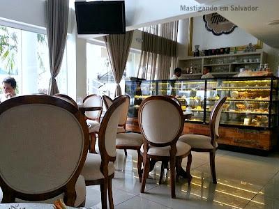 St. Michel Café Confeitaria: Ambiente interno