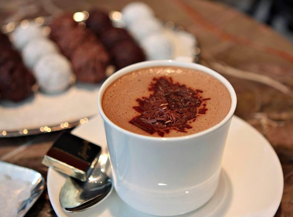 مشروب الشوكولاتة الساخن