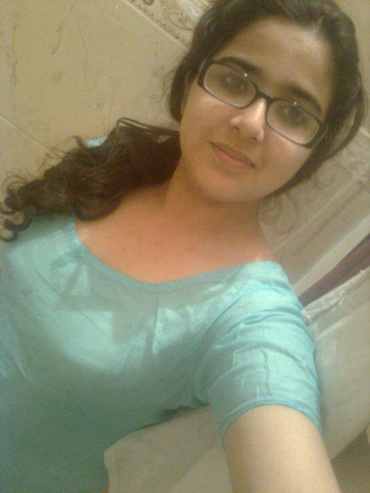 Cute sexy desi teens nude 3