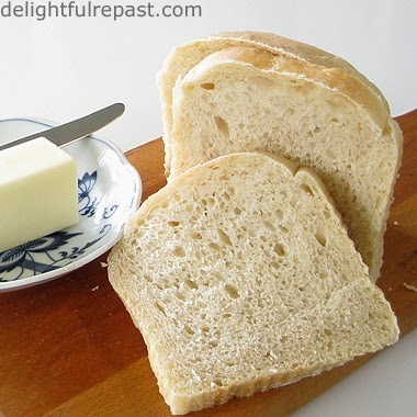 Sourdough Sandwich Bread / www.delightfulrepast.com