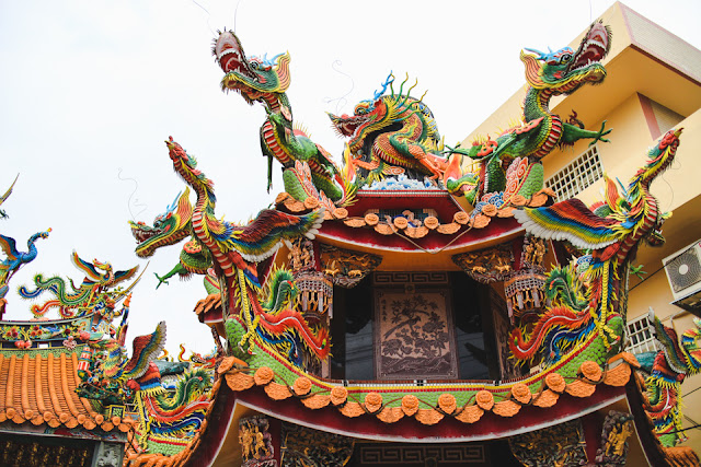 colorful temple dragons | Emei, Taiwan